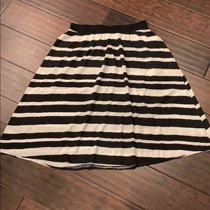 Ava & Viv Size 0X Black White Midi A-Line Skirt